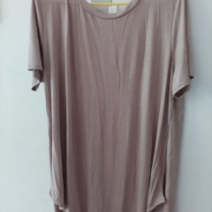 Tops - New without tags satin tunic.